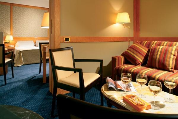 Hotel Artemide - room photo 11026222