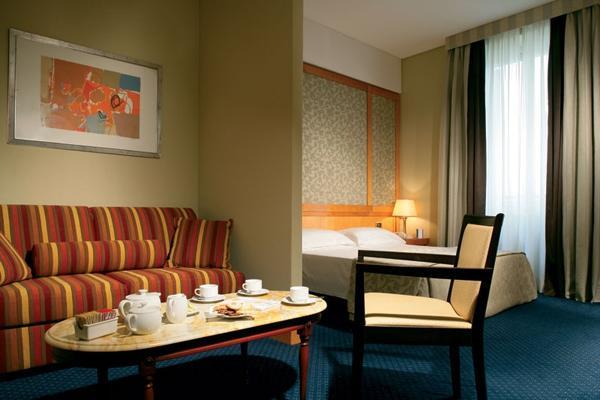 Hotel Artemide - room photo 11026200
